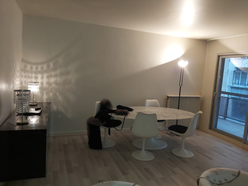 Location appartement Paris 16ème 2 850€ CC - Photo 4