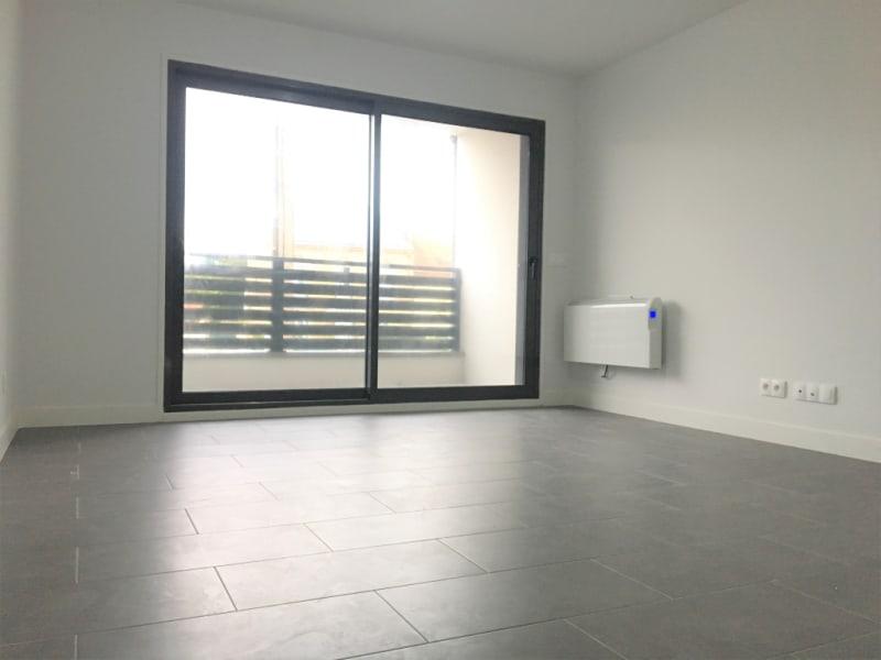 Rental apartment Pierrelaye 550€ CC - Picture 2