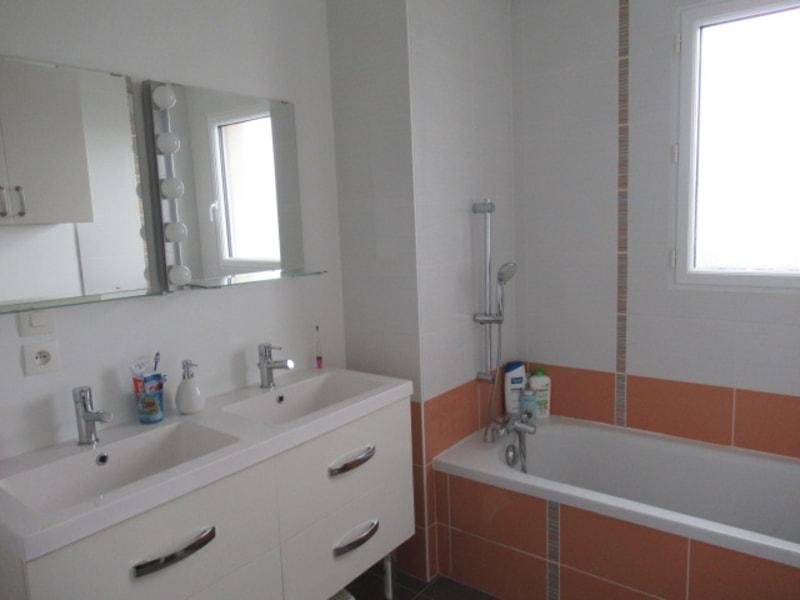 Vente maison / villa Beaucouze 388500€ - Photo 5