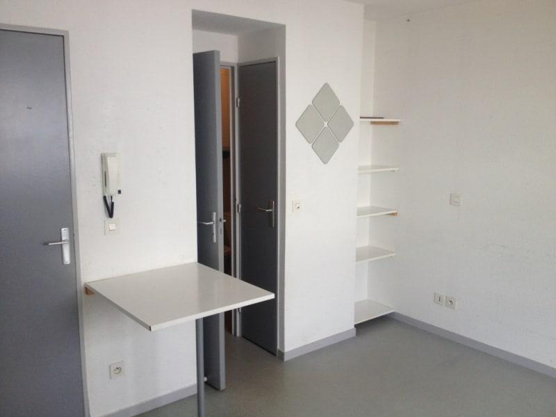 Rental apartment Rennes 410€ CC - Picture 1