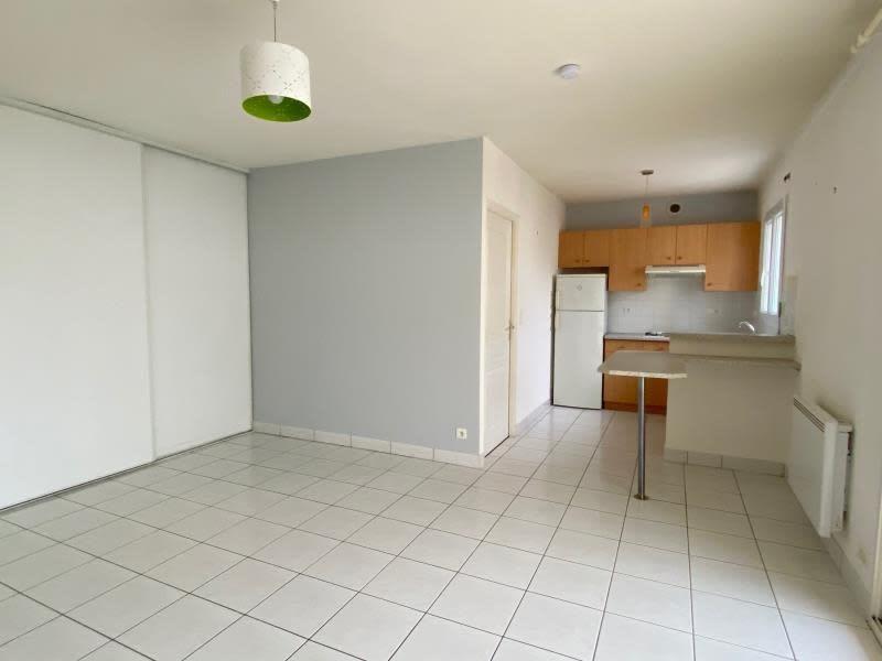 Location appartement Niort 472€ CC - Photo 2