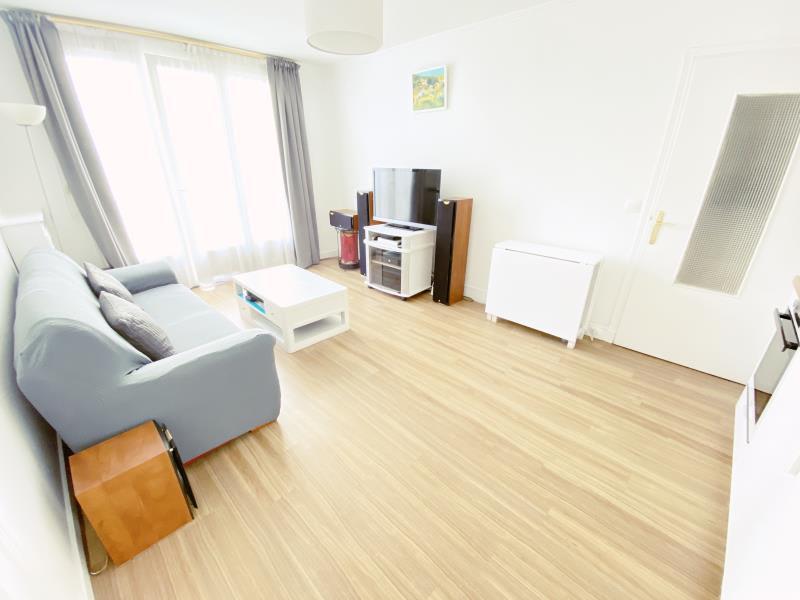 Sale apartment Paris 10ème 599000€ - Picture 2