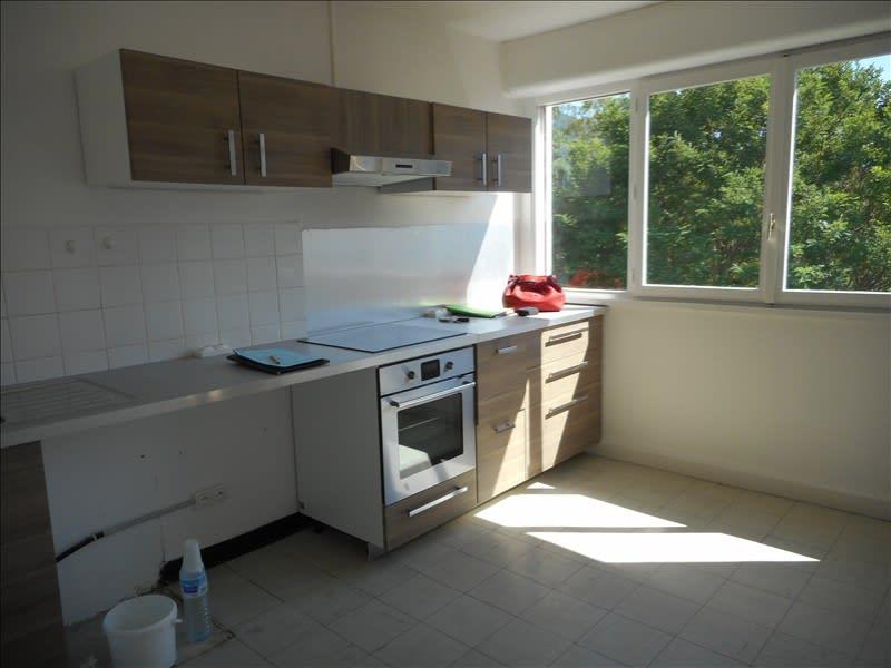 Rental apartment Voiron 542€ CC - Picture 2