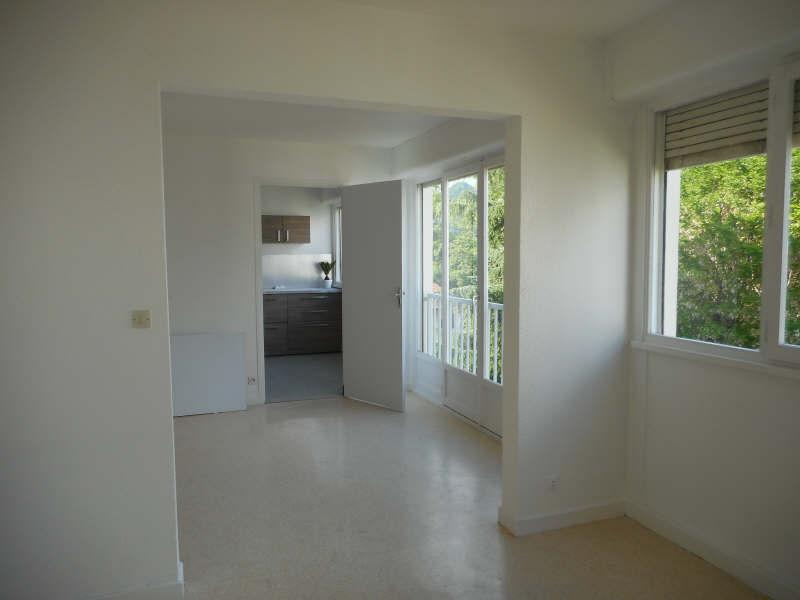 Rental apartment Voiron 542€ CC - Picture 3