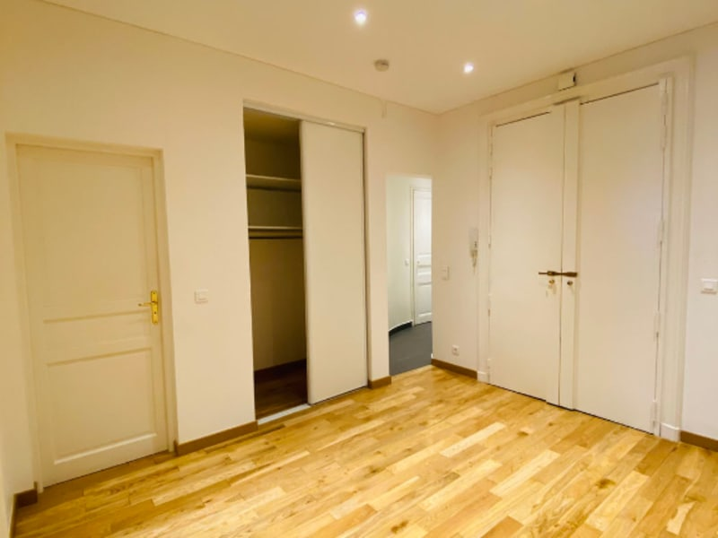 Location appartement Paris 9ème 4100€ CC - Photo 11