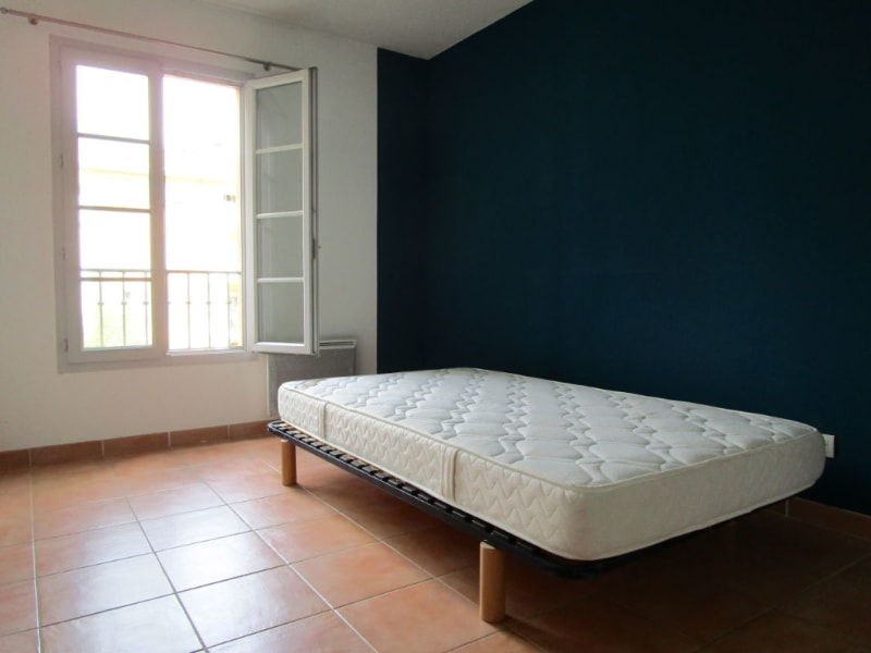 Location appartement Aix en provence 1 080€ CC - Photo 6