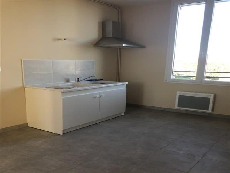 Location appartement Crepy en valois 990€ CC - Photo 3