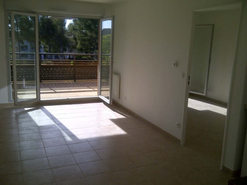 Rental apartment Aix en provence 835€ CC - Picture 2