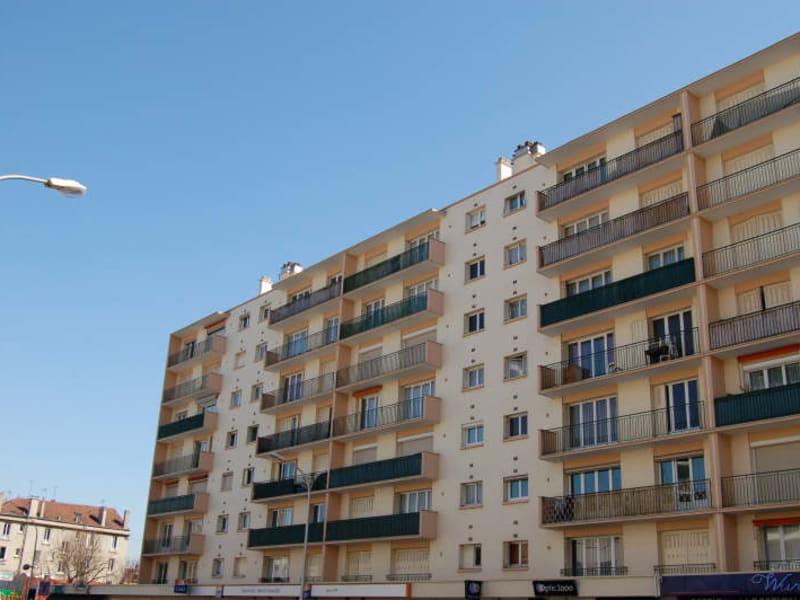 Location appartement Juvisy sur orge 759,30€ CC - Photo 1