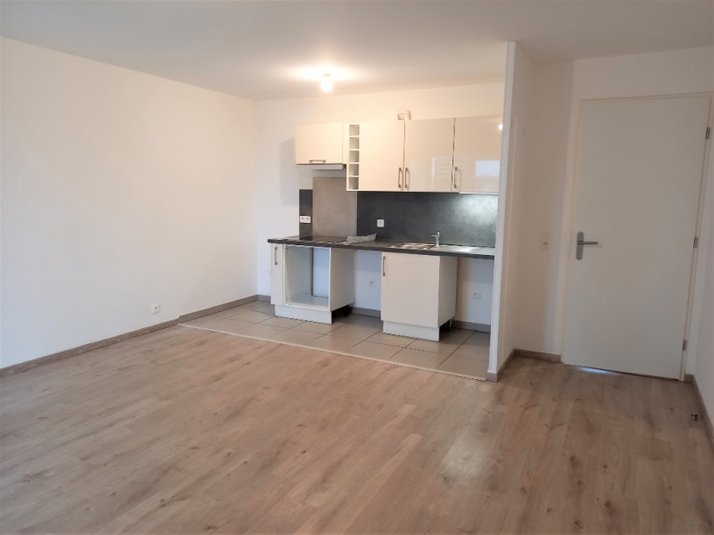 Location appartement Mantes la jolie 897,82€ CC - Photo 1