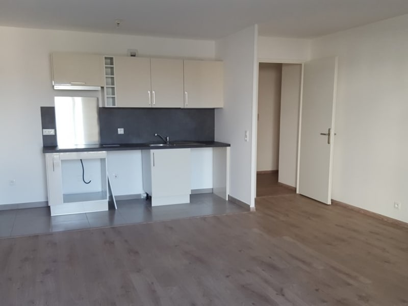 Rental apartment Mantes la jolie 897,82€ CC - Picture 2