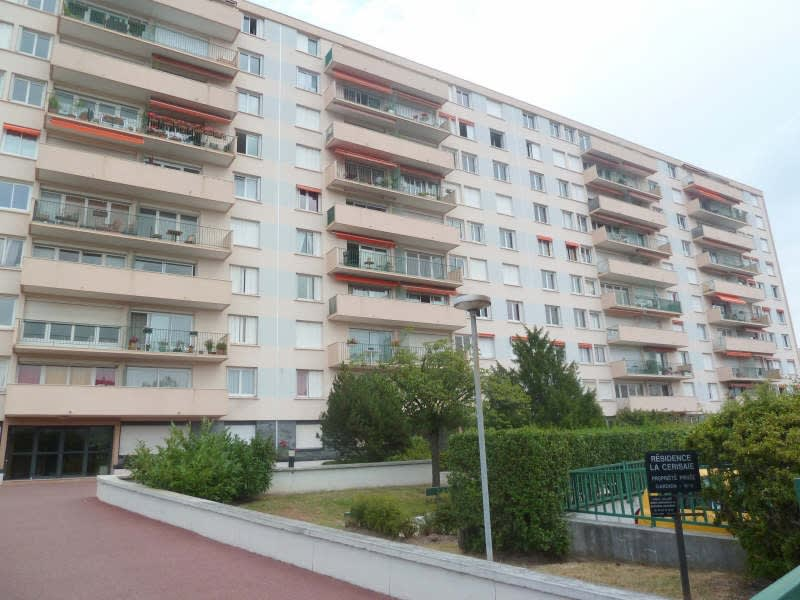 Rental apartment Poissy 664,18€ CC - Picture 1