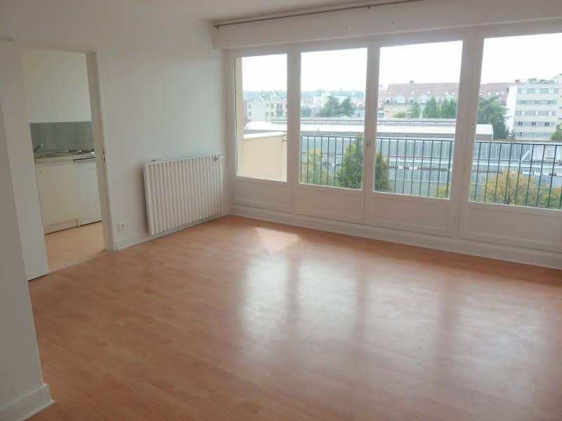 Rental apartment Poissy 664,18€ CC - Picture 2