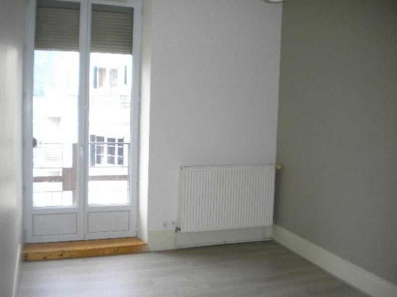 Rental apartment Grenoble 611€ CC - Picture 1