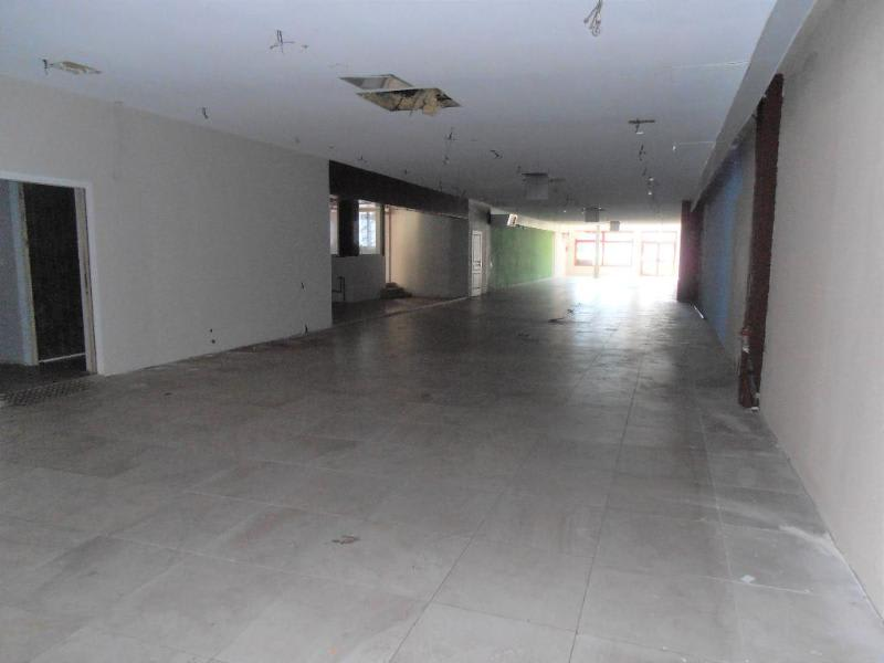 Location local commercial Montreal la cluse 2 580€ HC - Photo 1