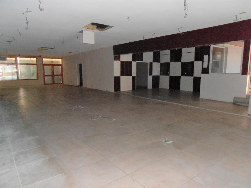 Location local commercial Montreal la cluse 2 580€ HC - Photo 2