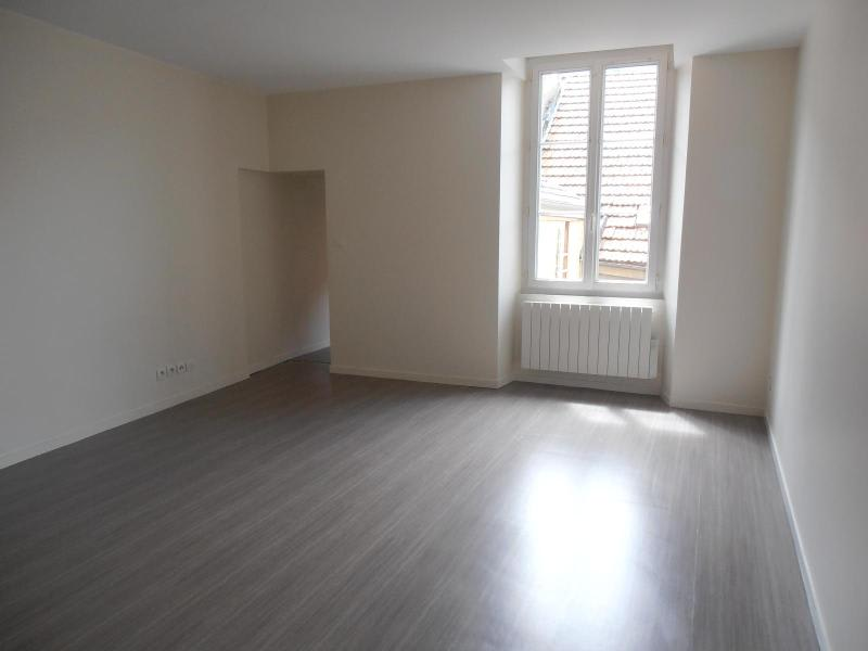 Rental apartment Nantua 510€ CC - Picture 1