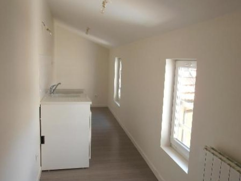 Rental apartment Nantua 510€ CC - Picture 3