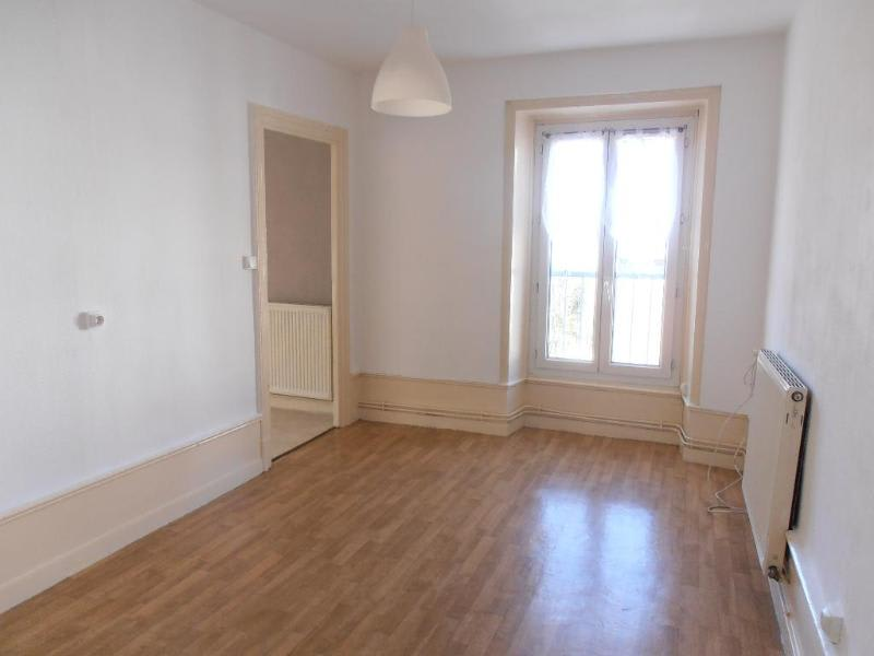 Location appartement Nantua 529€ CC - Photo 3