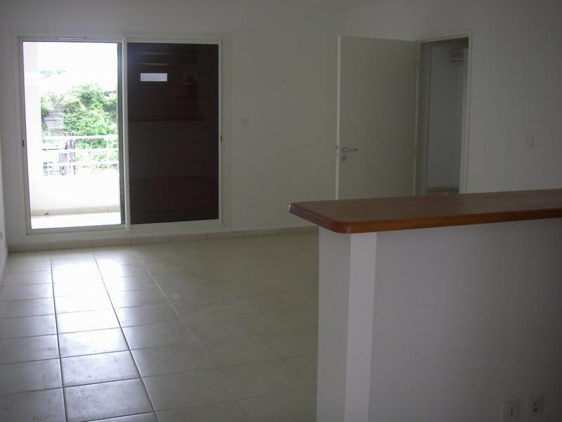 Location appartement St denis 599€ CC - Photo 2