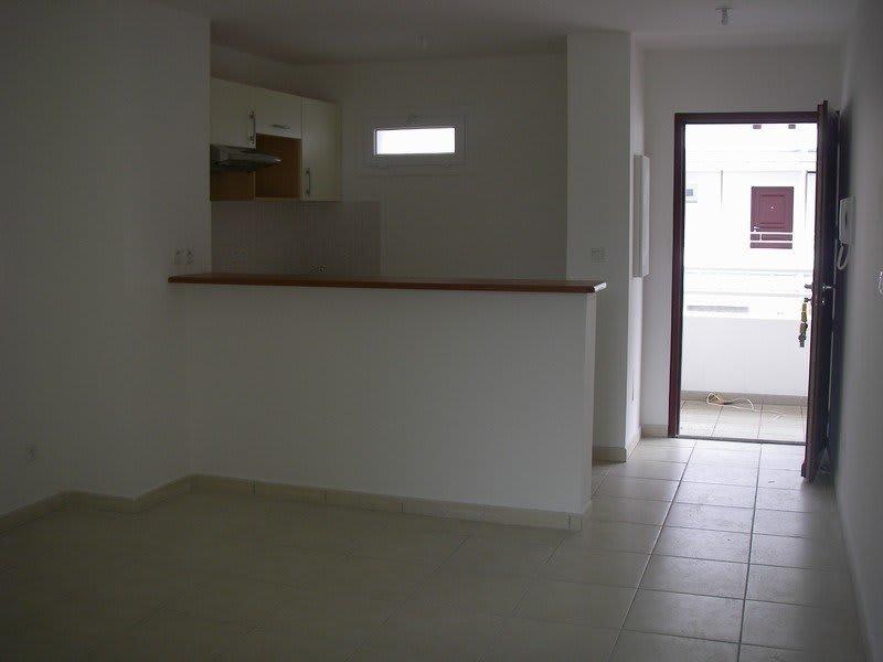 Location appartement St denis 599€ CC - Photo 3