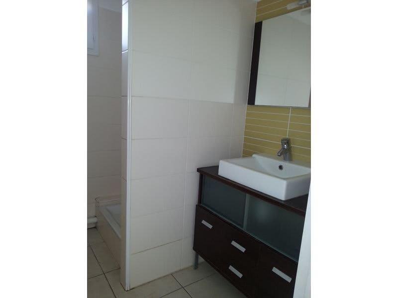 Location appartement Ste clotilde 890€ CC - Photo 5