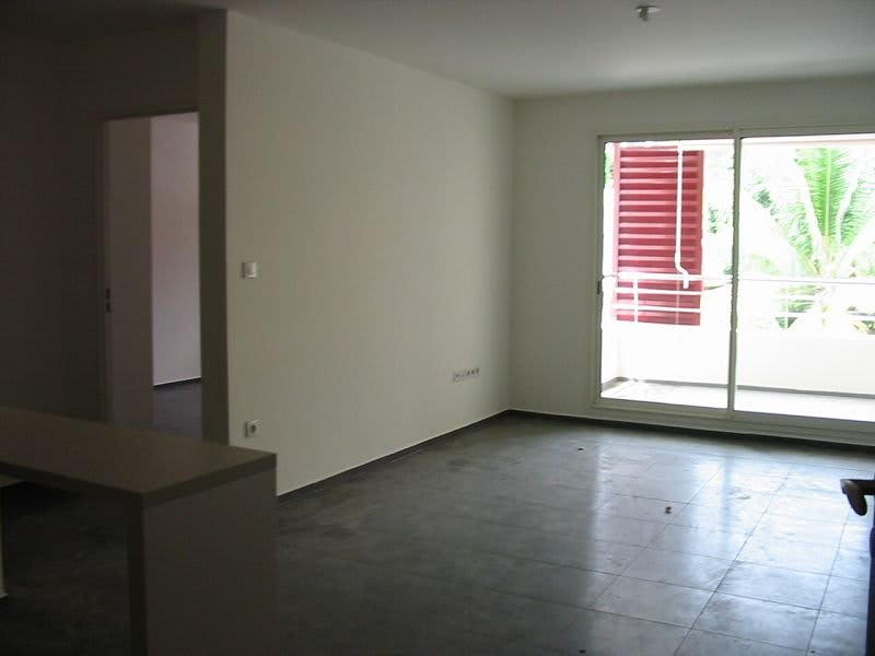 Location appartement Ste clotilde 584€ CC - Photo 2