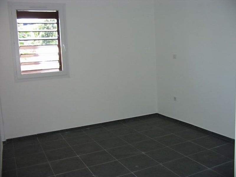 Location appartement Ste clotilde 715€ CC - Photo 4