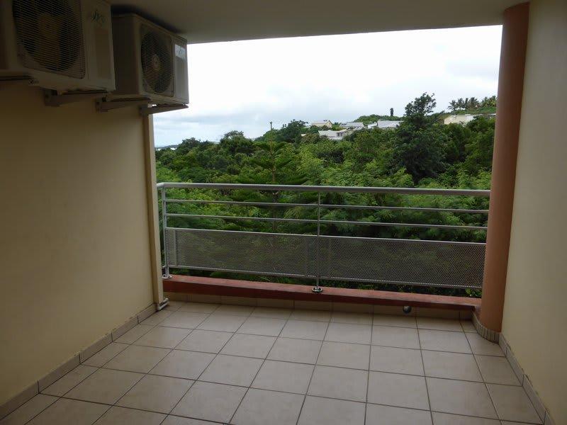 Location appartement Ste clotilde 765€ CC - Photo 4