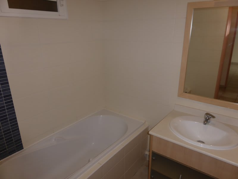 Location appartement Ste clotilde 765€ CC - Photo 9