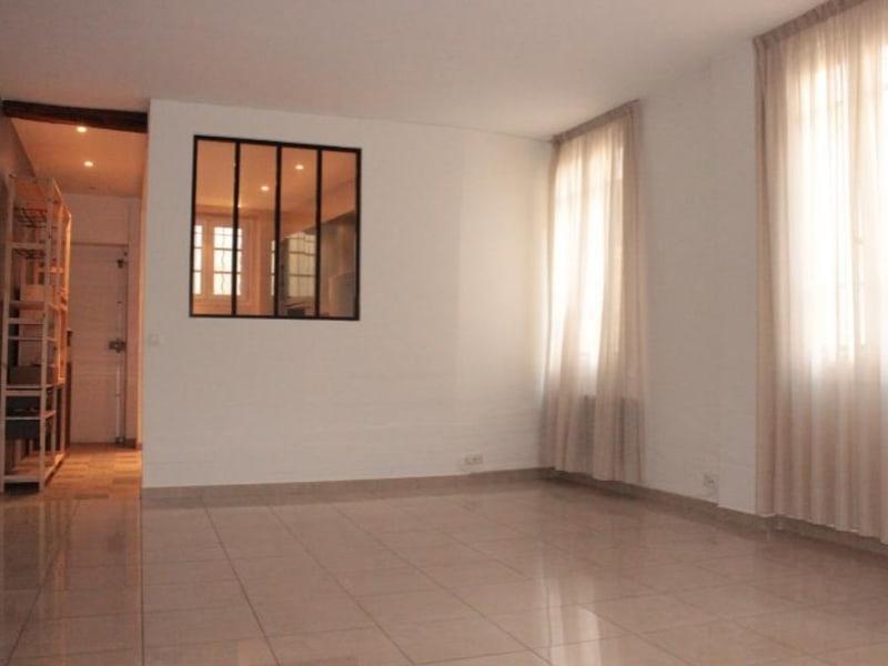 Sale apartment Paris 10ème 699900€ - Picture 2