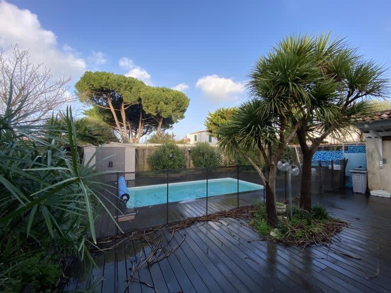 Sale house / villa La flotte 829500€ - Picture 1