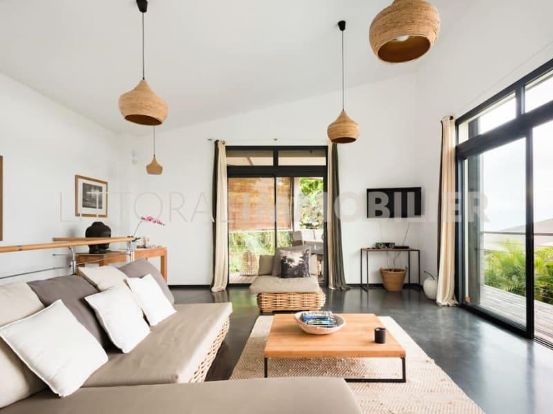 Sale house / villa Les avirons 399000€ - Picture 6
