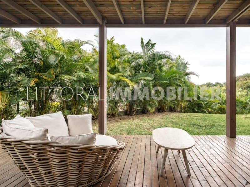 Sale house / villa Les avirons 399000€ - Picture 12