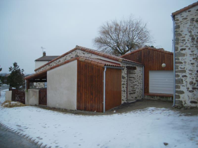 Rental house / villa Le poire sur vie 675€ CC - Picture 1