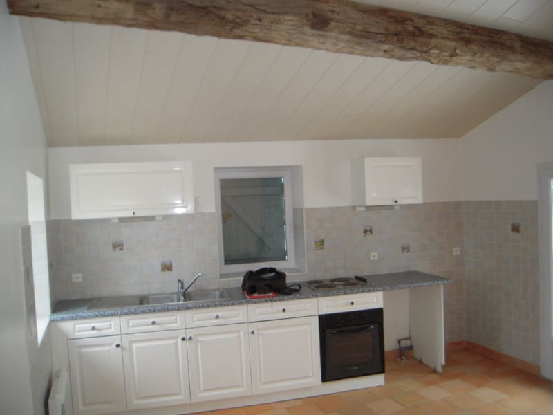 Rental house / villa Le poire sur vie 675€ CC - Picture 2