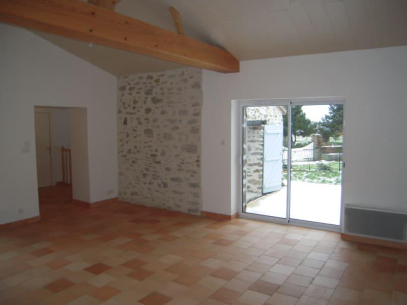 Rental house / villa Le poire sur vie 675€ CC - Picture 3