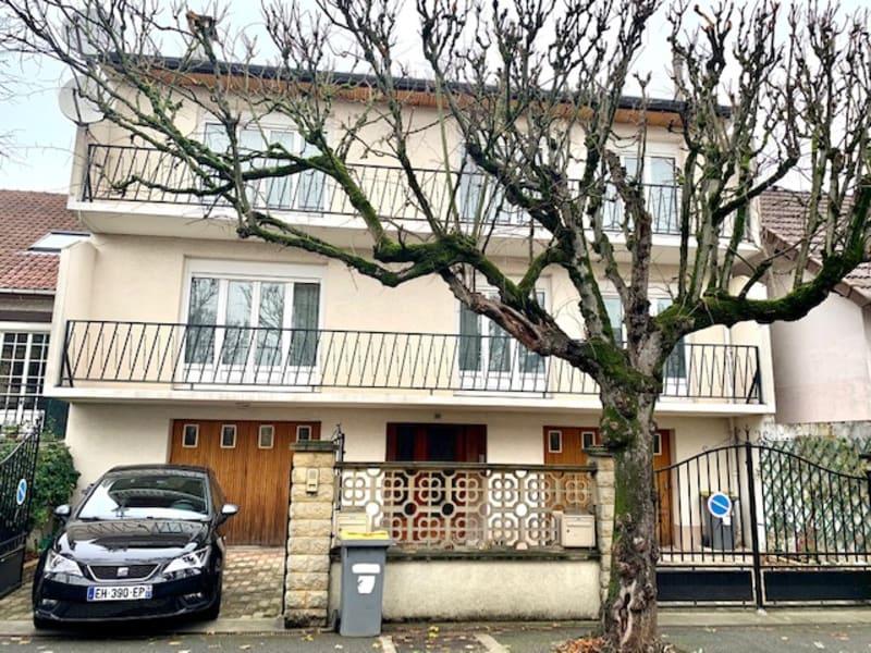 Pavillon  230 m² hab . divisé en 2 Appts  -12 min' à pied RER C