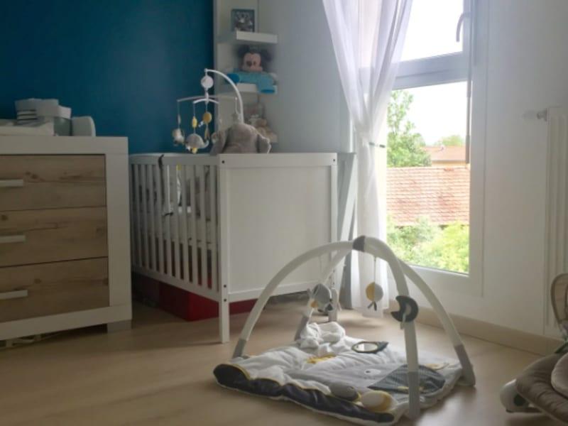 Rental apartment Corbas 930€ CC - Picture 8