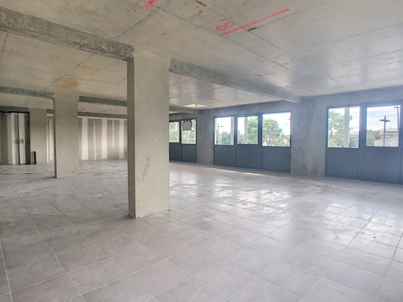 Location local commercial Les angles 650€ CC - Photo 2