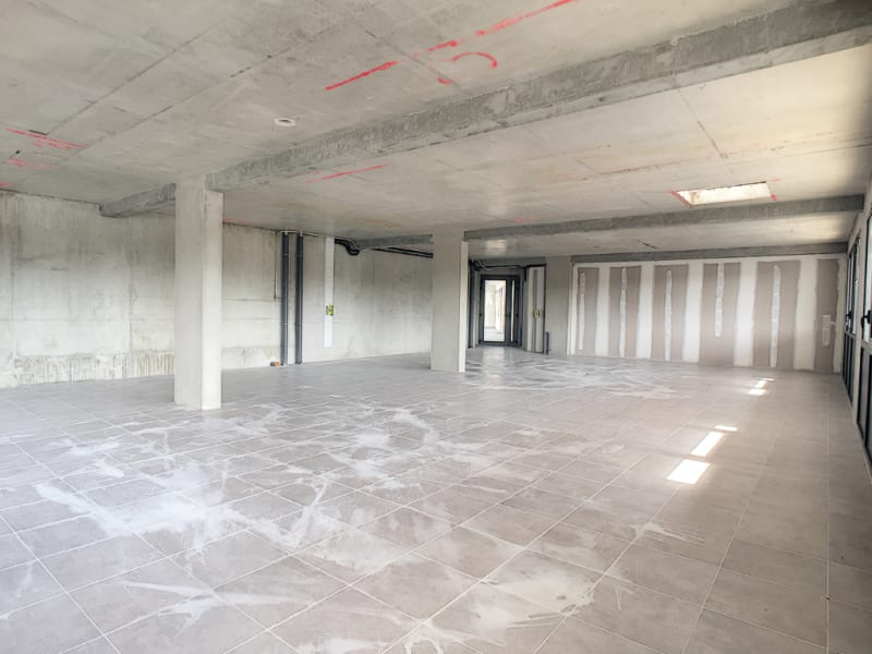 Location local commercial Les angles 650€ CC - Photo 3