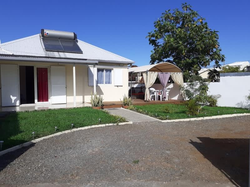 Sale house / villa Le port 230000€ - Picture 1