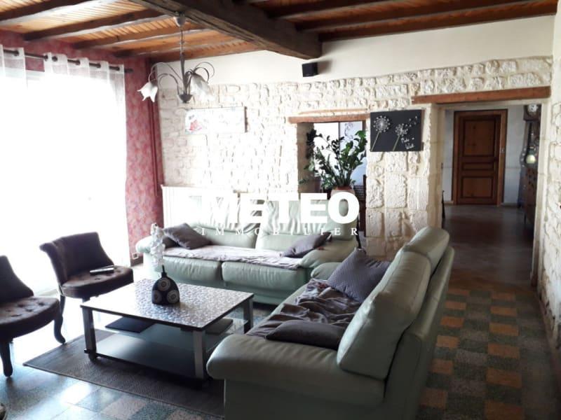 Sale house / villa Les magnils reigniers 241960€ - Picture 3