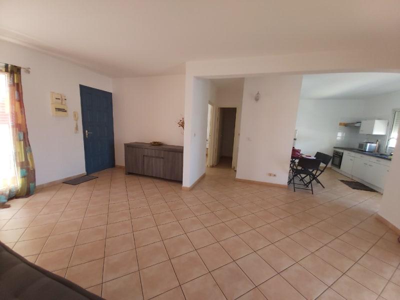 Location appartement Sainte anne 700€ CC - Photo 1