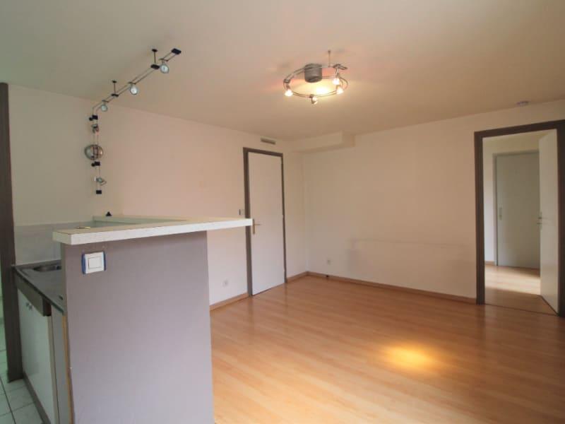 Rental apartment Voiron 412€ CC - Picture 2
