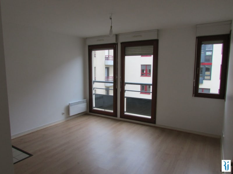 Rental apartment Rouen 427€ CC - Picture 1