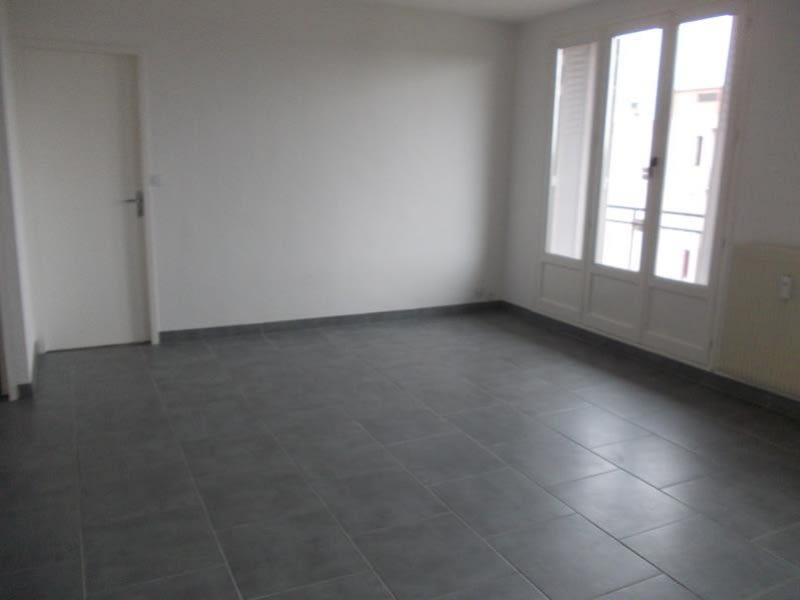 Sale apartment Riorges 62000€ - Picture 1
