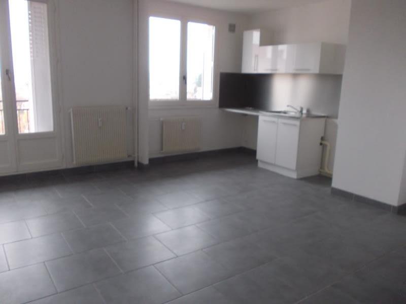Sale apartment Riorges 62000€ - Picture 2