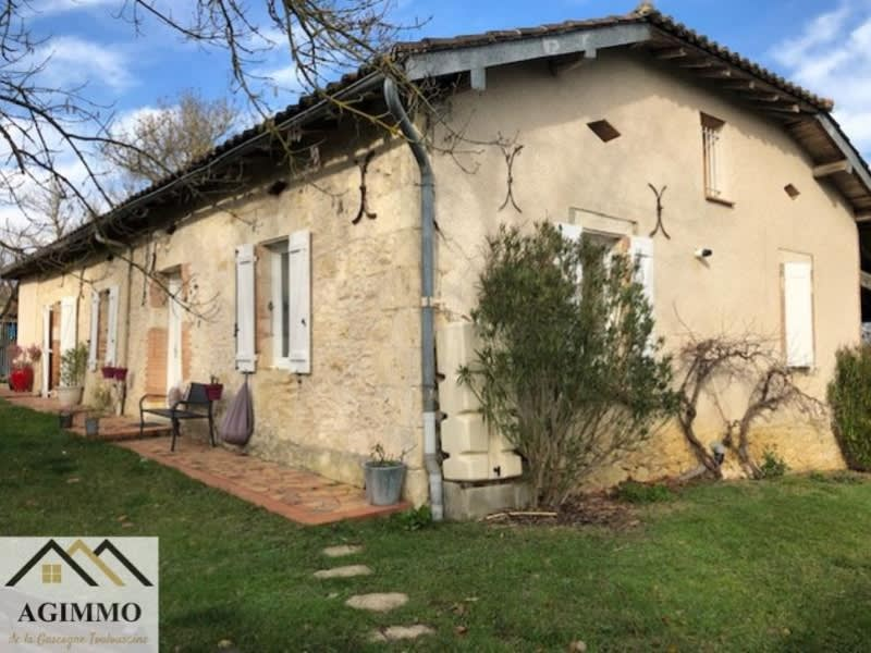 Rental house / villa L isle jourdain 900€ CC - Picture 1