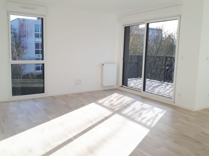 Rental apartment Chartres de bretagne 720€ CC - Picture 2